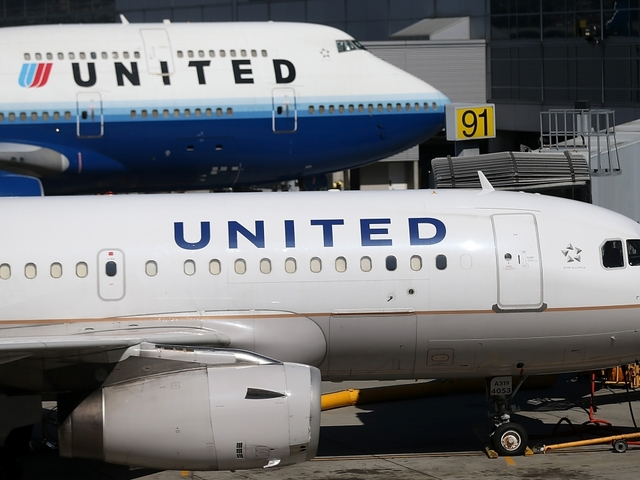 United Airlines grounds all domestic flights