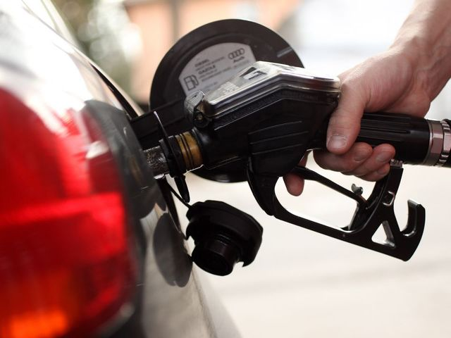 Gas prices remain at $2.31 per gallon in Rhode Island