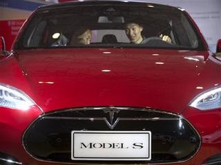 Driver claims Tesla saved his life
