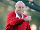 Golf world pays tribute to Arnold Palmer