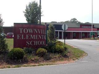 Shooting at SC elementary school injures 3