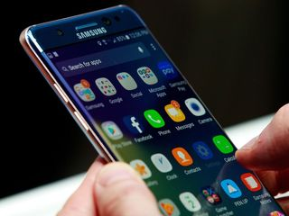 Note 7 prompts airlines to take precautions