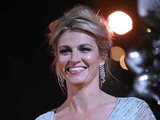 Erin Andrews, ex-NHL player marry in Montana