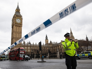 7 arrested after London attack raids