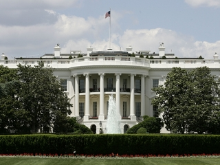White House lockdown due to suspicious package