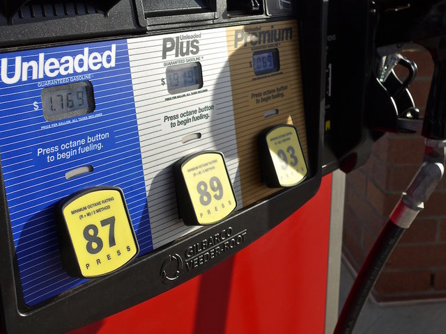 Roseville Summer Gas Prices Dip Lower