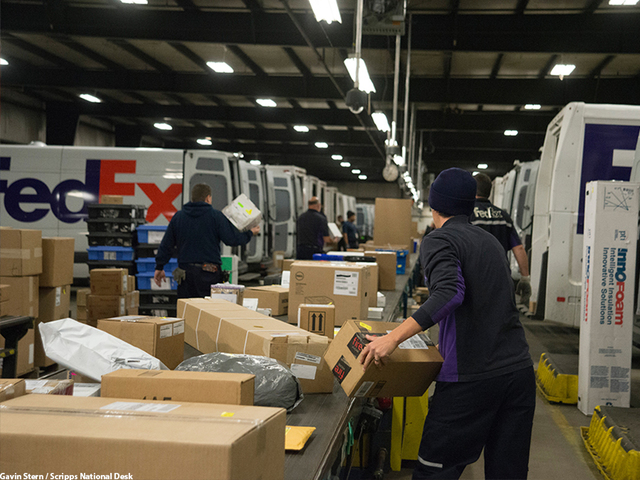 go behind the scenes as ups fedex race to deliver in time for christmas. Black Bedroom Furniture Sets. Home Design Ideas