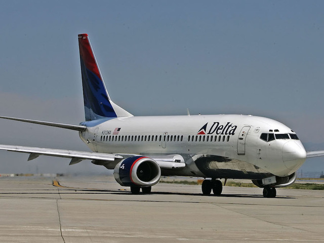 Delta Air Lines, Inc. (DAL) CFO Sells 49362 Shares of Stock