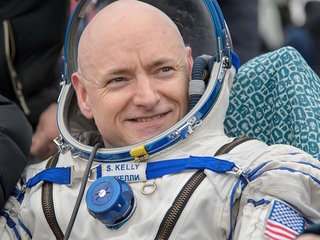Astronaut's DNA no longer matches identical twin