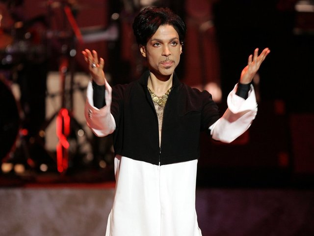 Minnesota prosecutors hold press conference regarding Prince's death