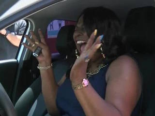 Selfless lunch lady gets a new car