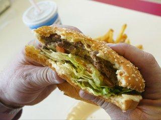 Burger chains get failing grades for antibiotics