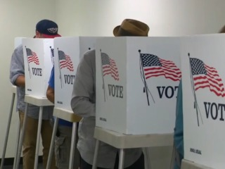 Poll: 'Blue wave' declining ahead of midterms